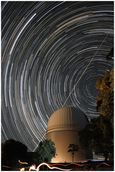 Startrails over the Anglo-Australian Telescope